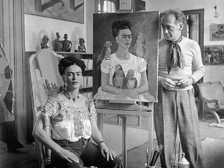 Photo of Frida, Muray with 'Me and My Parrot'